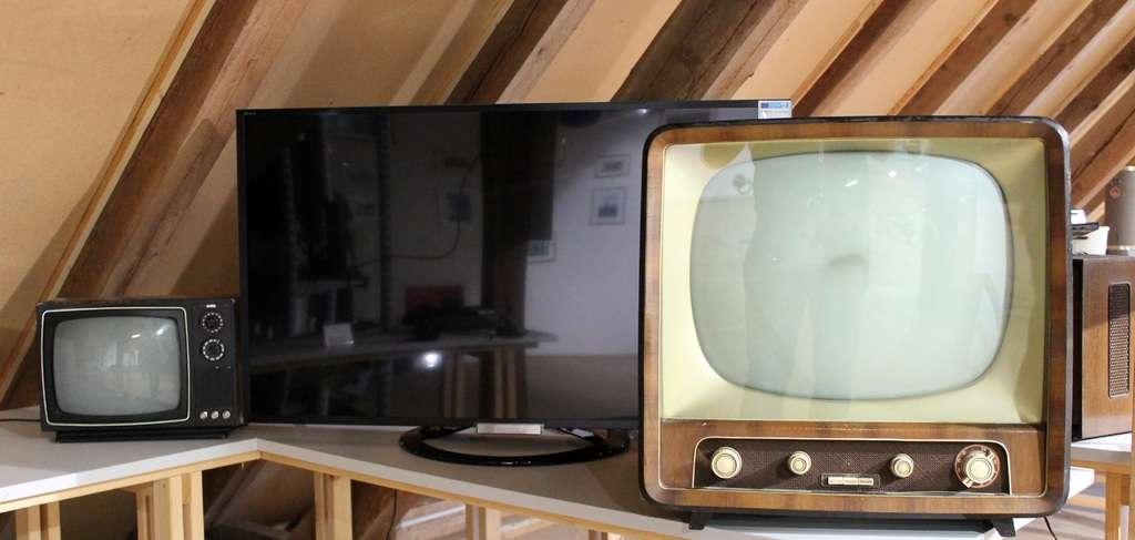 Geschiedenis TV, wanneer is deze uitgevonden & hoe kwam de eerste uitzending tot stand! | Bekijk het nu!